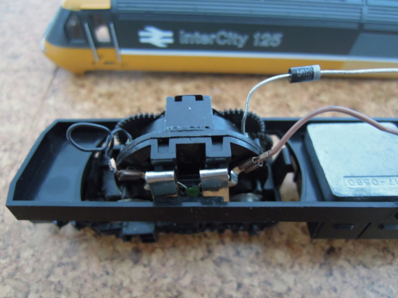 171831449373 besides Connect A Reversing Switch likewise Lionel Ac Pullmor Motor in addition Getting Started With Battery Power And moreover Americanflyerlocodiagrams. on wiring a dc model train motor